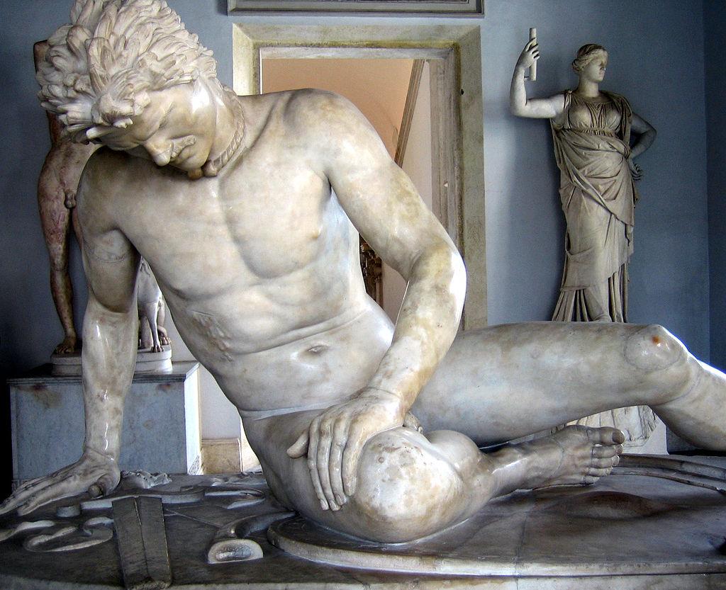 Ο Θνήσκων Γαλάτης, ένα ρωμαϊκό μαρμάρινο αντίγραφο ενός ελληνιστικού έργου του τέλους του 3ου αιώνα π.Χ. Μουσεία Καπιτωλίου, Ρώμη_wikipedia