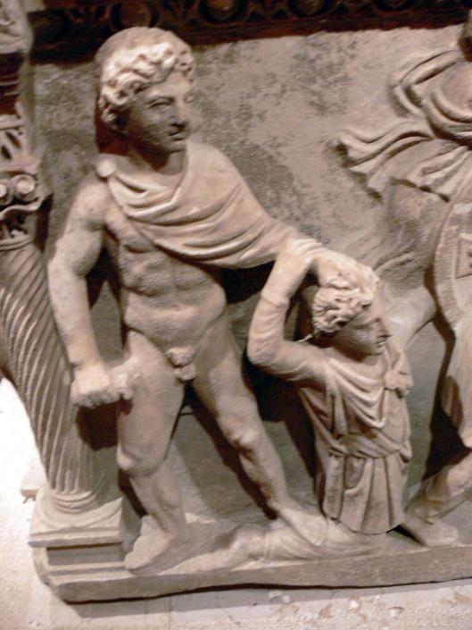 Ο Αχιλλέας σκοτώνει τον Θερσίτη_Ρωμαϊκή σαρκοφάγος_2ος αι π.Χ_αρχαιολογικό μουσείο Αττάλειας Τουρκίας