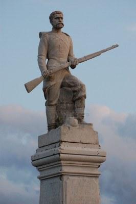 Ρωσικό μνημείο πεσόντων Κριμαϊκού πολέμου στον ποταμό Άλμα_Malorussia (Ukraine)