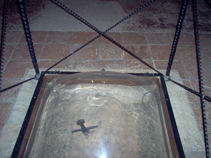 Το ξίφος του αγίου Γκαλιάνο στο παρεκκλήσιο Μοντεσιέπι