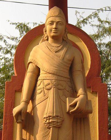 475px-Chandragupt_maurya_Birla_mandir_6_dec_2009_(31)_(cropped)