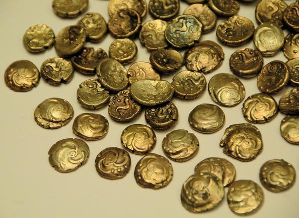 Νομίσματα από τον θησαυρό του Χίερς 57 μΧ_Γαλατικό-Ρωμαϊκό Μουσείο_Tongeren (Belgium)