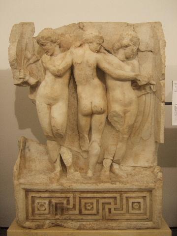 Οι τρεις Χάριτες από το Αέτωμα του Σεβαστείου της Αφροδισιάδας