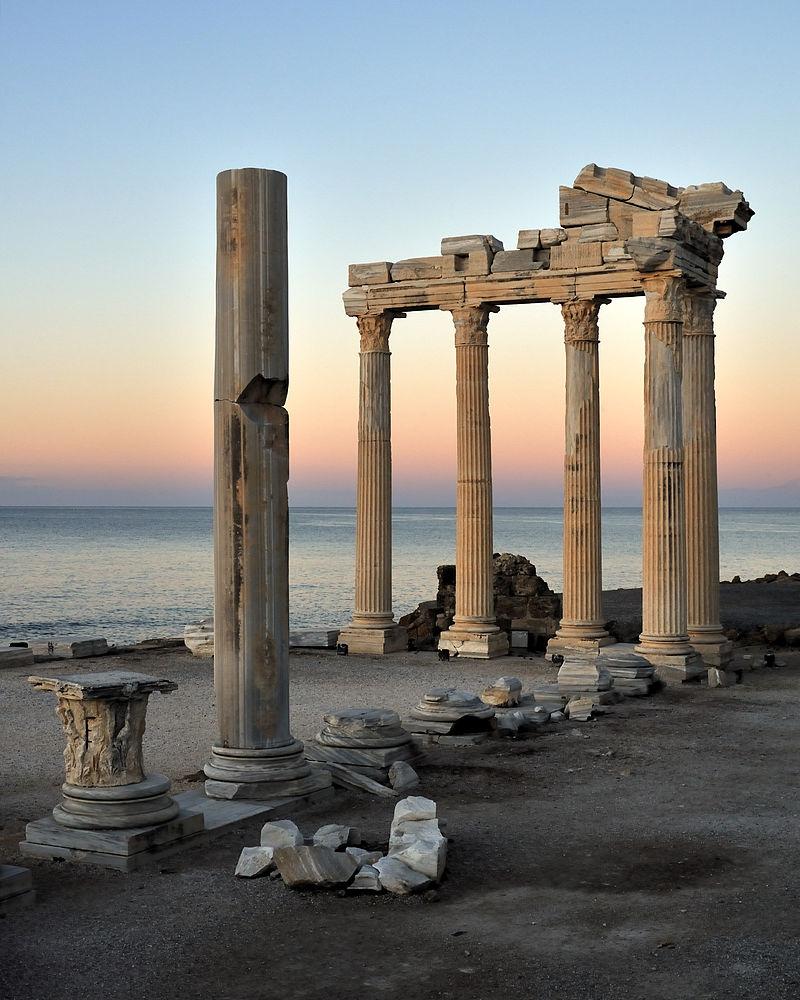 Ναός του Απόλλωνα στην πόλη Σίδη της Παμφυλίας
