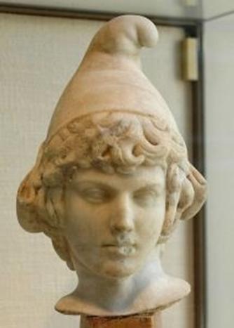 Προτομή της Άττιδοα με Φρυγικό πυλό (καπέλο)_αγαλματίδιο από Παριανό μάρμαρο 2ος αιώνας π.Χ