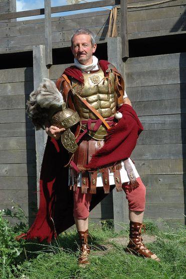 Σύγχρονη αναπαράσταση Ρωμαίου χιλίαρχου