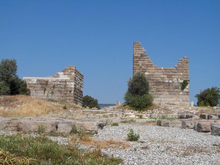 Αλοκαρνασσός_ερείπια των οχυρώσεων πέριξ της πόλης_400 π.Χ