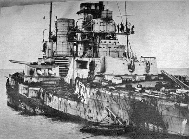 Το SMS Seydlitz υπέστη μεγάλες ζημιές, αφού επλήγη από 21 βλήματα μεγάλου διαμετρήματος, πολλά μικρότερου, 1 τορπίλη και είχε 98 νεκρούς και 55 τραυματίες.
