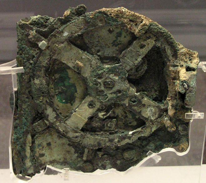 Το κύριο θραύσμα του μηχανισμού. Αθήνα, Εθνικό Αρχαιολογικό Μουσείο
