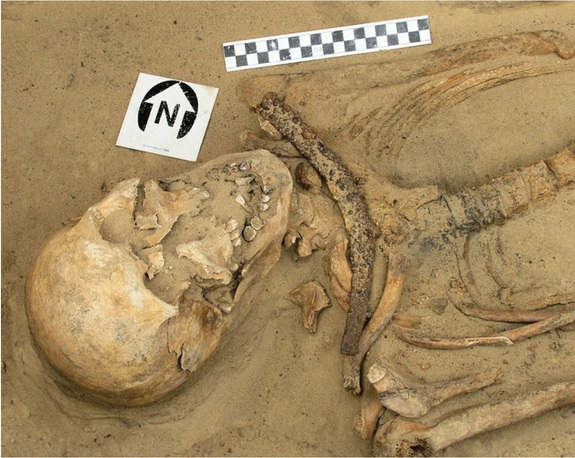 fig-2-sickle-burial