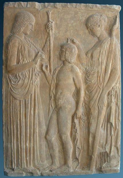 Ο Τριπτόλεμος ανάμεσα στη Δήμητρα και την Περσεφόνη, ανάγλυφο από πεντελικό μάρμαρο, περ. 430-400 π.Χ