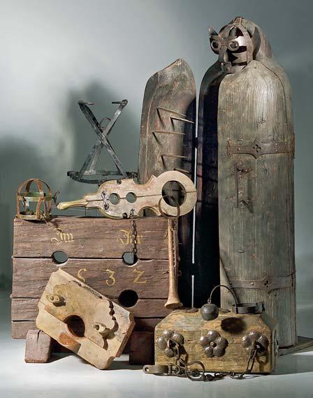 Diverse_torture_instruments