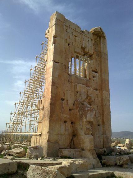 Τάφος του Καμβύση Α_Πασαργάδες_Ιράν_wikipedia