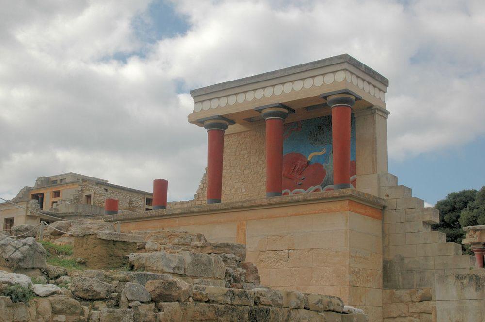 Το ανάκτορο της Κνωσού [URL-https://el.wikipedia.org/wiki/Μινωικός_πολιτισμός]
