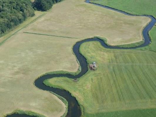 Σημερινή εικόνα του ποταμού Tollense που υπήρξε το πεδίο της μάχης. Κρατική Υπηρεσία για την Διατήρηση Πολιτισμού & Πολιτιστικής Κληρονομιάς_ Μεκλεμβούργου - Δυτικής Πομερανίας _Τμήμα αρχαιολογίας_F. Ruchöft.