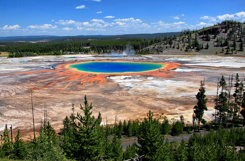 Grand Prismatic Spring and Midway Geyser Basin from above wikipedia URL [https://en.wikipedia.org/wiki/File:Grand_Prismatic_Spring_and_Midway_Geyser_Basin_from_above.jpg]