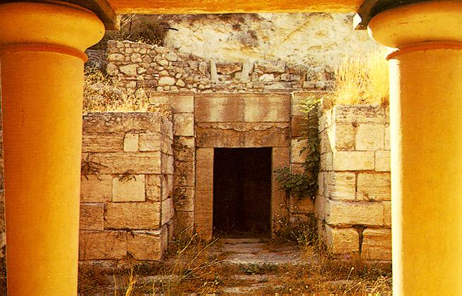"""Άποψη του """"Βασιλικού Τάφου-Ιερού"""" στην Κνωσό © Υπουργείο Πολιτισμού και Αθλητισμού © ΚΓ΄ Εφορεία Προϊστορικών και Κλασικών Αρχαιοτήτων Αρχαιολογικός χώρος Kνωσού gtp.gr URL [http://www.gtp.gr/TDirectoryDetails.asp?ID=14729&lng=1]"""