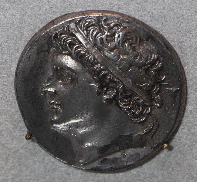 Αρχαίο Ελληνικό νόμισμα με την προτομή του Ιέρωνα ΙΙ_μουσείο Altes Βερολίνο_wikipedia