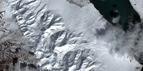 Within a short period of time, two adjacent glaciers in Tibet lost contact with their glacier bed, collapsed, and caused two giant ice avalanches. (Graphic: Silvan Leinss / ETH Zurich; satellite data: Sentinel 2, ESA.)