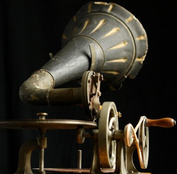 02_grammophon