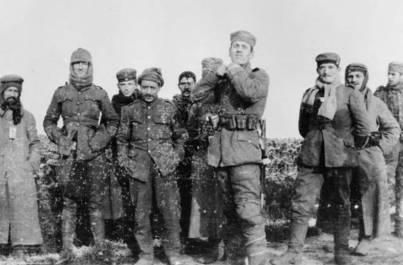 1914_Επιτυγχάνεται κατάπαυση του πυρός μεσούντος του 1ου Παγκοσμίου Πολέμου.