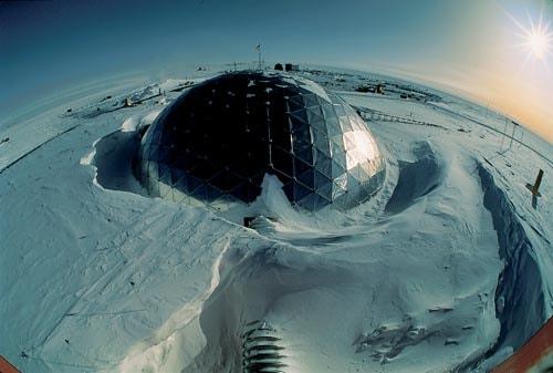 2011_Καταγράφεται στον Νότιο Πόλο η υψηλότερη θερμοκρασία (-12.3°C).